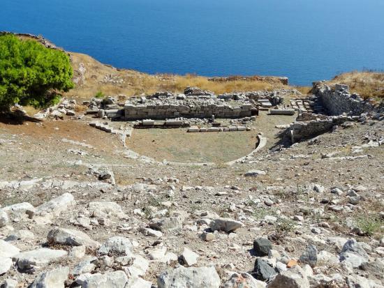 Το αρχαίο θέατρο της Σαντορίνης