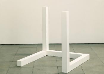 Sol LeWitt, Ανολοκλήρωτος ανοιχτός κύβος Νο. 5-6 (1974)